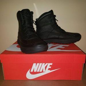 Nike AGC Woodside II Triple Boots 525393-090 ACG